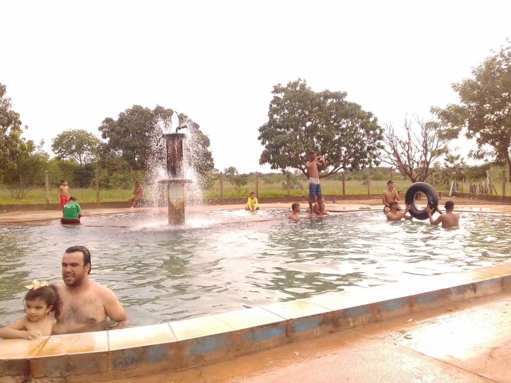 piscina poço violeta