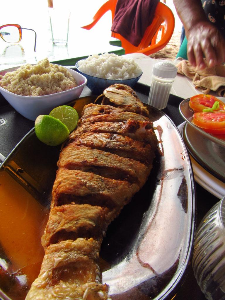 peixe frito na barra da siribinha