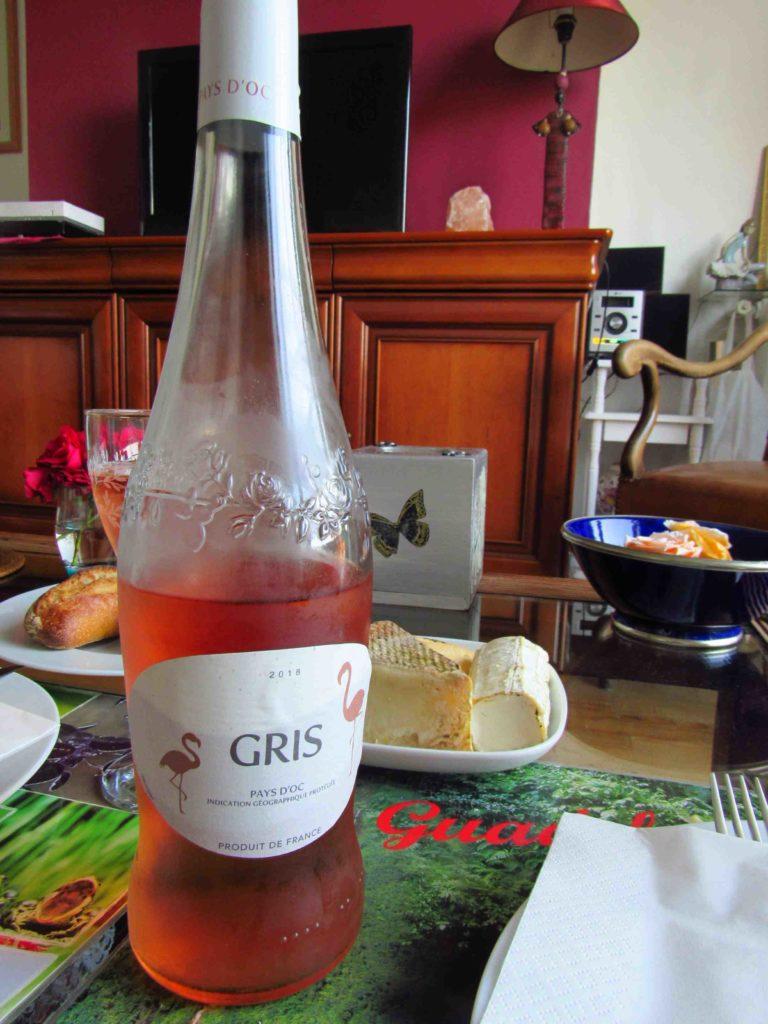 o que comer em paris vinho frances rose