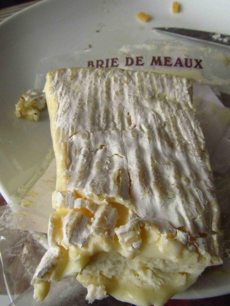o que comer em paris queijo brie