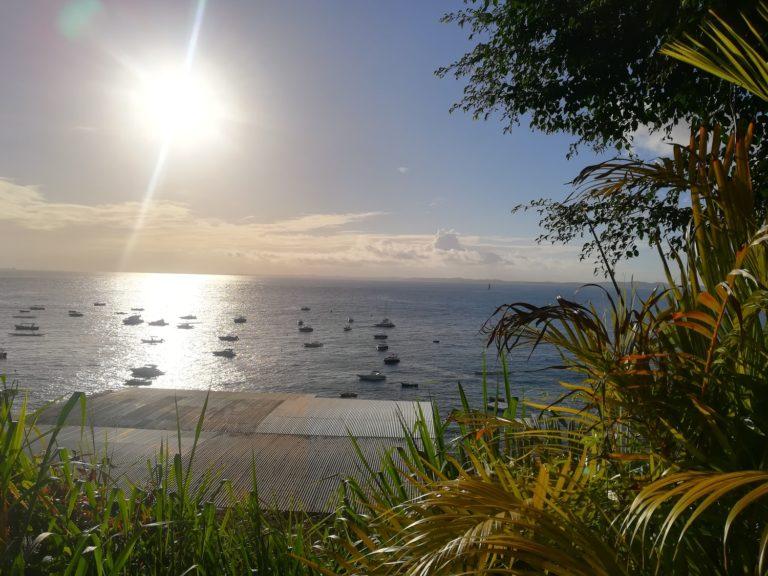 Vila Brandão: Cantinho da Jô, mar e pôr do sol em Salvador